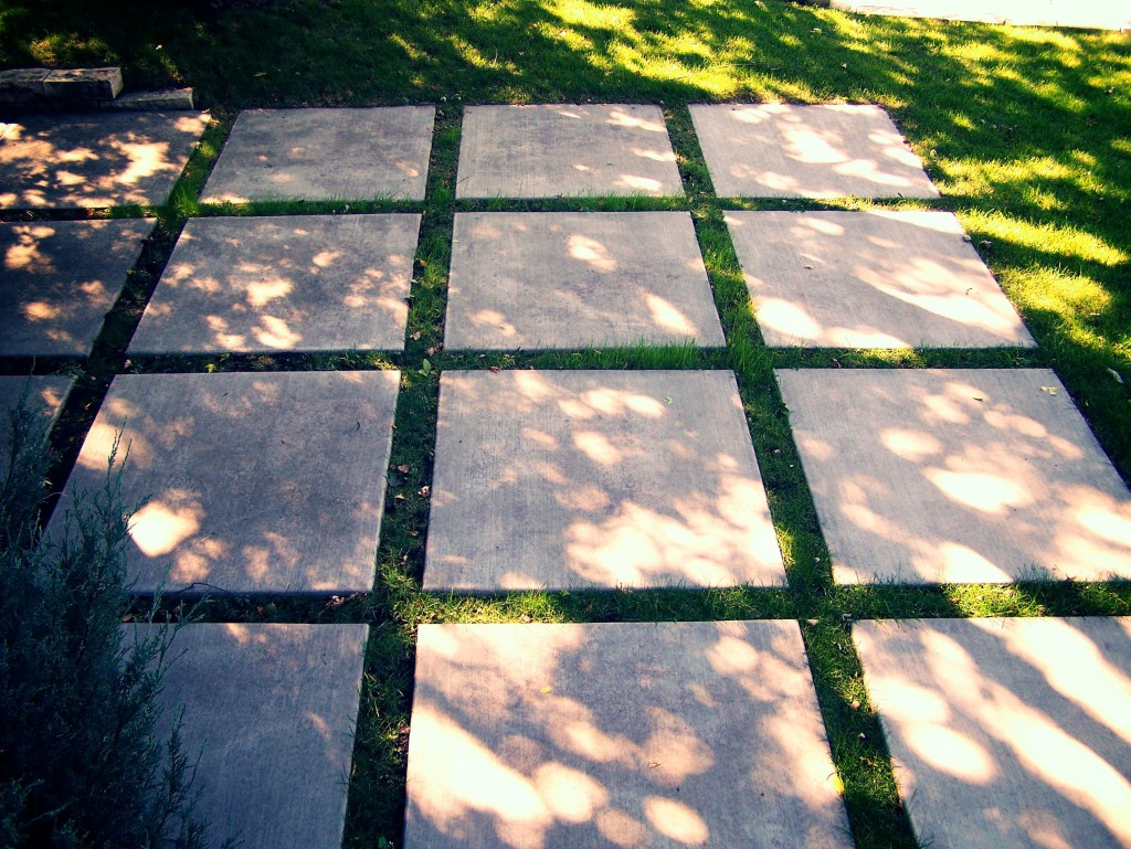 Incroyable Multiple Concrete Patio Squares..... Ideas Or Thoughts   The Perfect Man  Cave