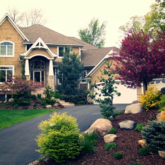 entry-colorful-trees-shrubs-eden prairie-mn