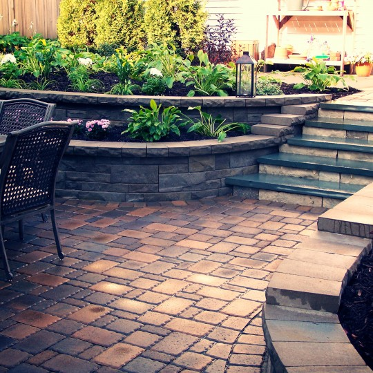 patio-retaining-wall-saint-louis-park-mn