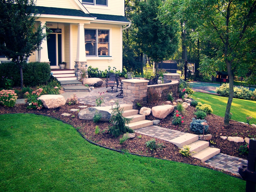 Backyard Designs With Pavers