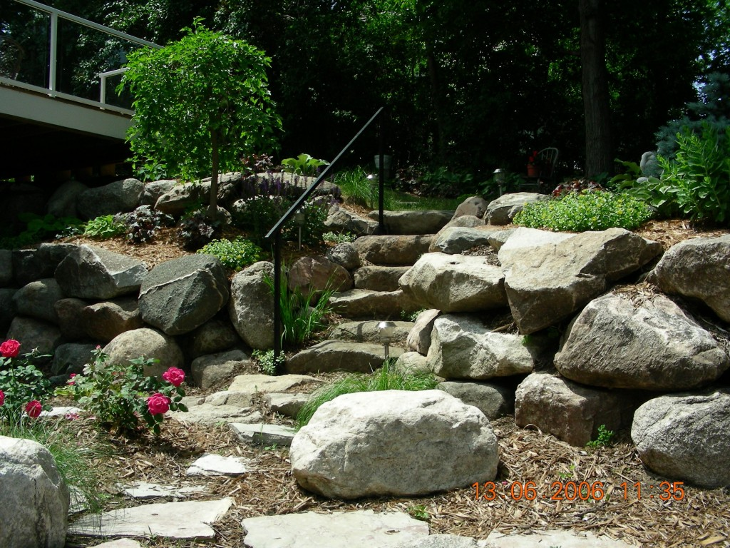 Use Landscaping Rocks To Make Your Yard Stand Out Great Goats Landscapinggreat Goats Landscaping
